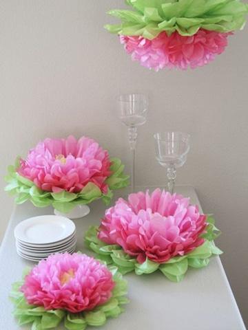 centros de mesa con papel de flores