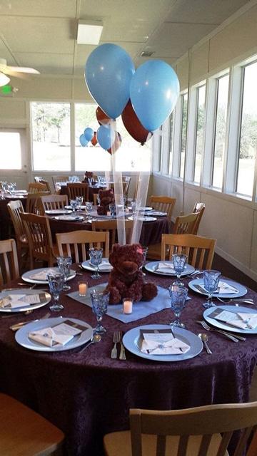 centros de mesa con peluches y globos