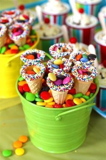 centros de mesa para piñatas con dulces