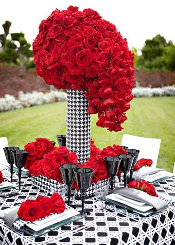centros de mesa rojos de rosas