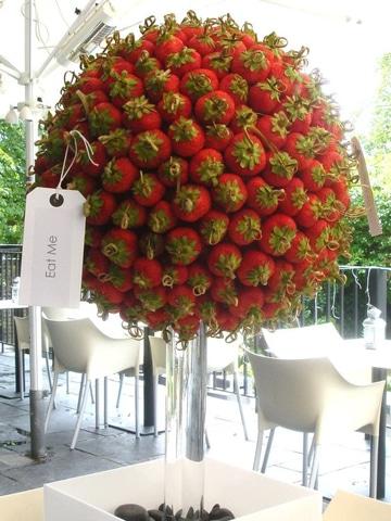 centros de mesa rojos frutales