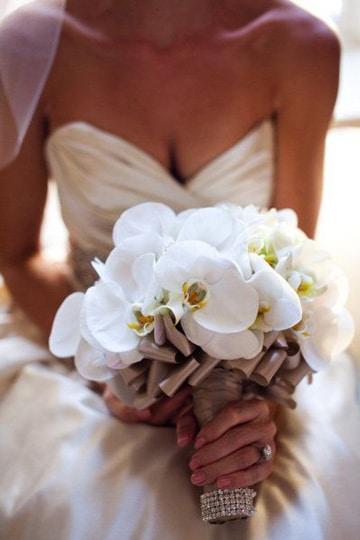 ramos de novia con orquideas blancas