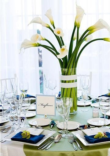 arreglos florales con calas para restaurante