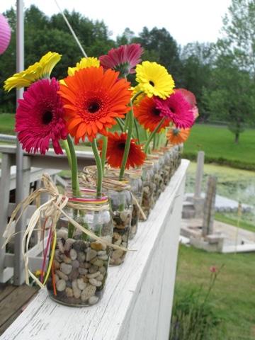 arreglos florales con gerberas de colores