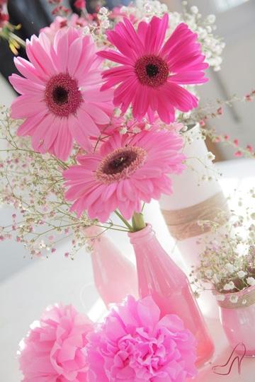 arreglos florales con gerberas rosadas