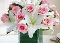 Elementales centros de mesa con cristal y flores