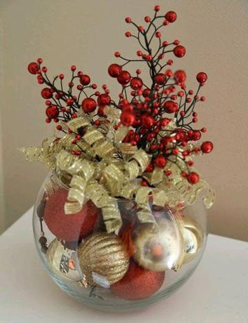 centros de mesa con esferas navideñas