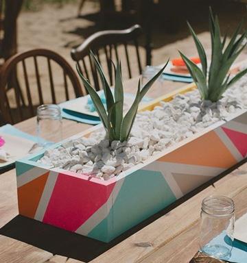 macetas de centro de mesa pintadas