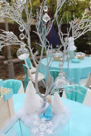 adornos para fiesta de frozen en mesa
