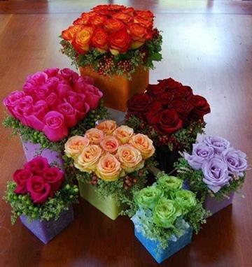 centros de mesa de rosas de colores