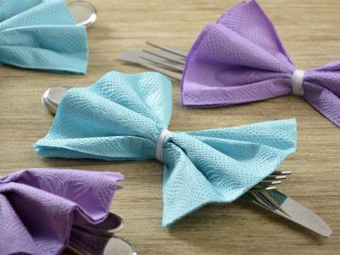 decoracion con servilletas de papel en mesa