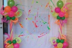 Ideas que muestran en fotos decoracion en telas y globos