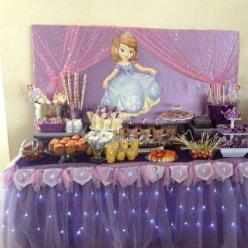 fiesta tematica de princesa sofia mesa