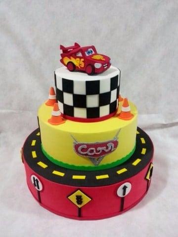 imagenes de tortas de cars tres pisos