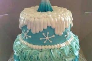 Originales decorados en tortas de frozen con crema