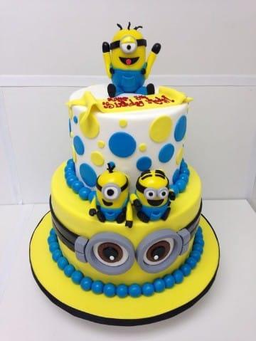 tortas de minions de dos pisos para niño