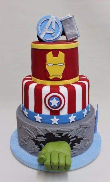 tortas decoradas de superheroes avengers