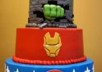 Originales y sabrosas tortas decoradas de superheroes
