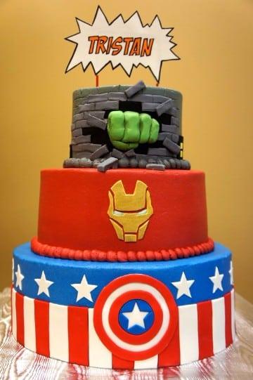 tortas decoradas de superheroes de fondant