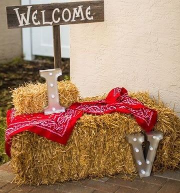 adornos vaqueros para fiestas para entrada