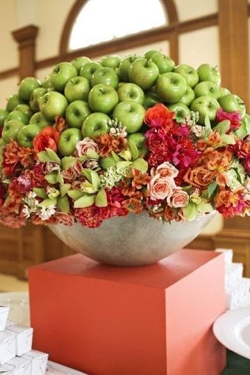 arreglos de frutas y flores grandes