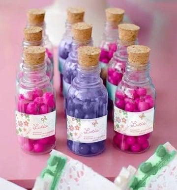 botellitas de vidrio para souvenirs con dulces