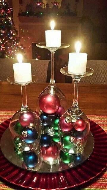 centros de mesa con candelabros hecho con copas