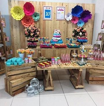 mesa de dulces con huacales simples