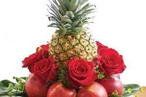 Hermosos y majestuosos ramos de flores con frutas