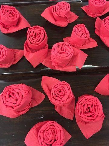 rosas con servilletas de papel diseños