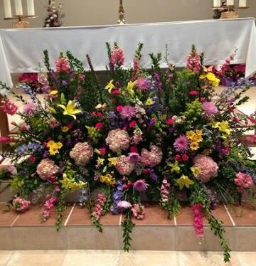 arreglos florales para altares ideas