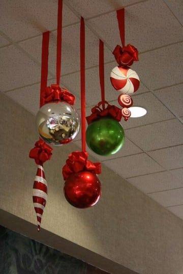 Originales y sencillos adornos navide os para oficina for Adornos navidenos sencillos