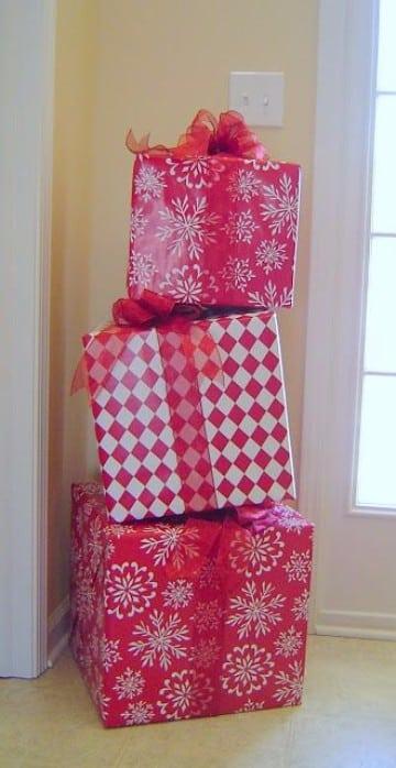 adornos navideños para oficina con material reciclable