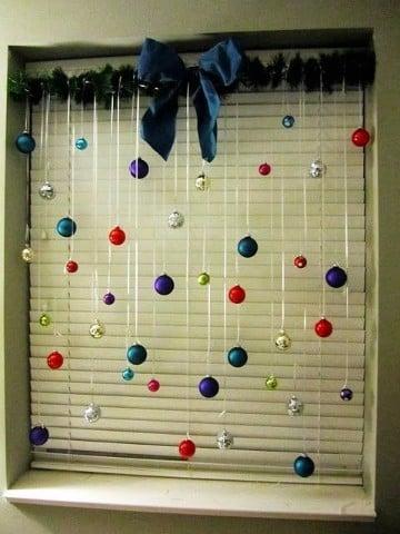adornos navideños para oficina economicos