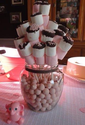 arreglos de mesa con bombones para bautizos