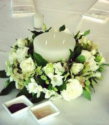 arreglos florales blancos velas