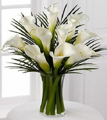 arreglos florales con alcatraces florero cilindro
