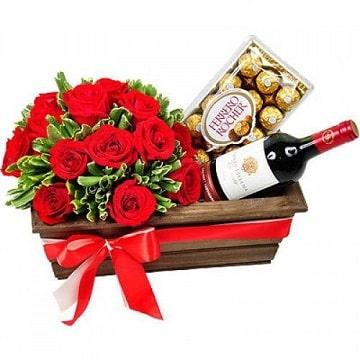 arreglos florales con chocolates con vino