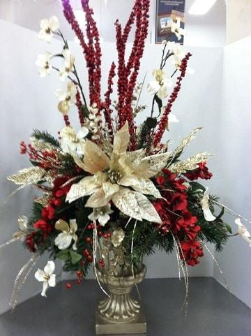 Ideas y dise os de arreglos florales para navidad for Arreglo para puertas de navidad