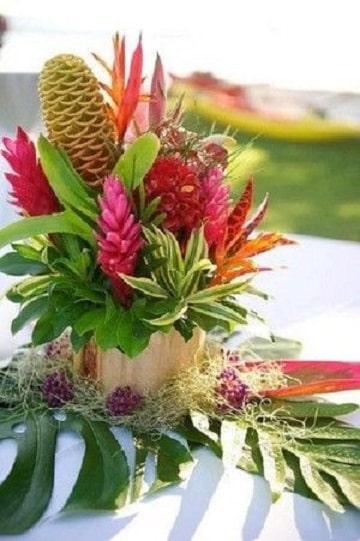 arreglos florales tropicales sencillo
