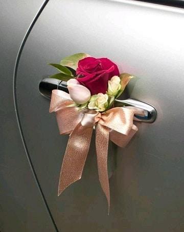 arreglos para carro de novia puertas