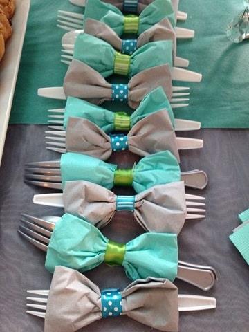 figuras con servilletas de papel lazos