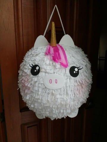 como decorar una piñata de globo de unicornio 2