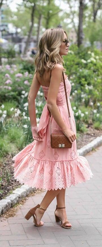 como vestir para una boda en jardin de dia