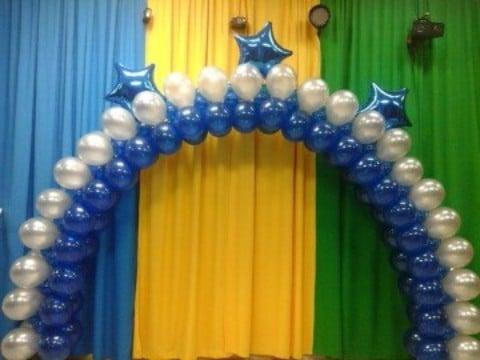decoracion de globos para graduacion con arco