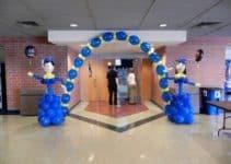 Hermosa y original decoracion de globos para graduación