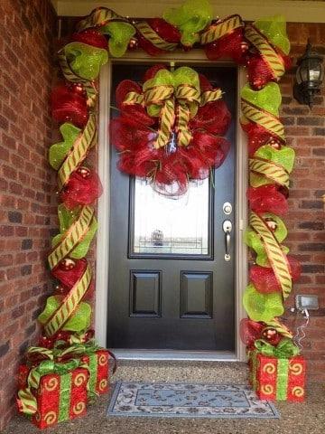 decoracion navideña para exteriores con material reciclado