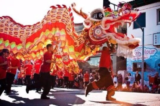 dragon rojo para celebracion año nuevo chino