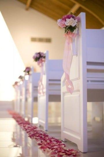 arreglos de flores para boda en iglesia blanco