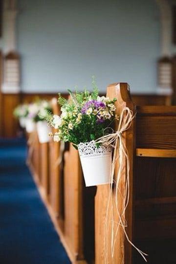 arreglos florales para iglesia xv años sencillo